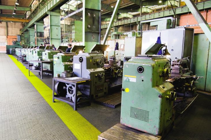 Hallenboden Aus PVCFliesen Für Die Industrie - Industrie pvc fliesen