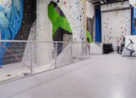 Sporthallenboden f r den schulsport vereinssport und - Pvc bodenfliesen ...
